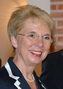 Grußworte der Altbürgermeisterin Cornelia Irmer